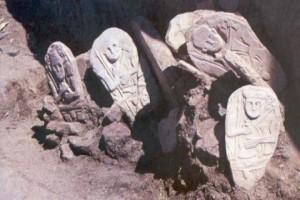 Hakkari'de 4 Bin Yıllık Türk Mezarı